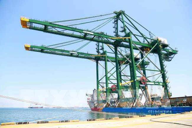 Doosan Vietnam exports first rubber-tyred cranes to India
