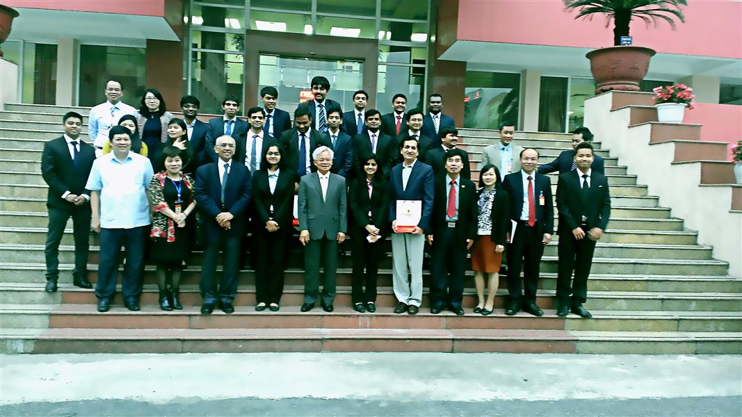 Scholars from India Institute of Management Bangalore, India (IIMB) visited Ho Chi Minh National Academy of Politics