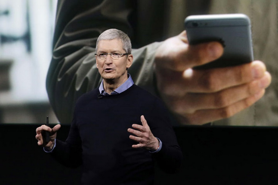 Apple CEO Tim Cook in India: New iOS App Development Centre in Bengaluru announced