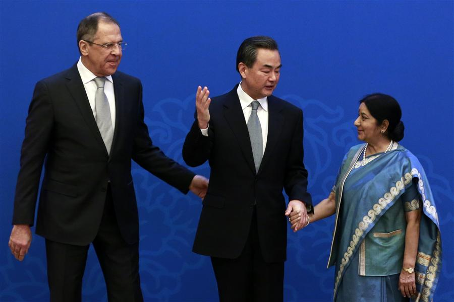 Foreign ministers of China, Russia and India to meet in Moscow