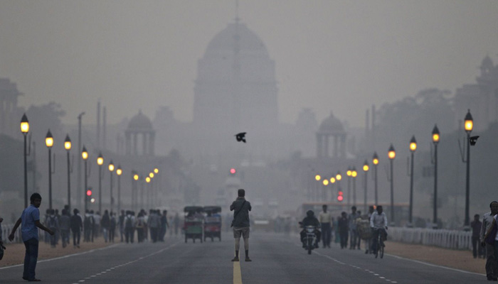 Delhi will restrict cars from Jan 1 to cut pollution, may face challenge