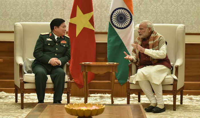 Vietnamese defence minister Ngo Xuan Lich calls on Narendra Modi