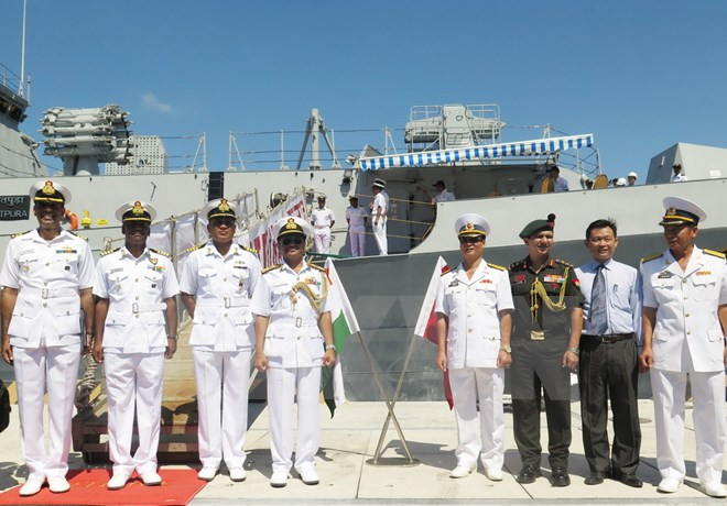 Two Indian Naval ships make port call at Cam Ranh International port