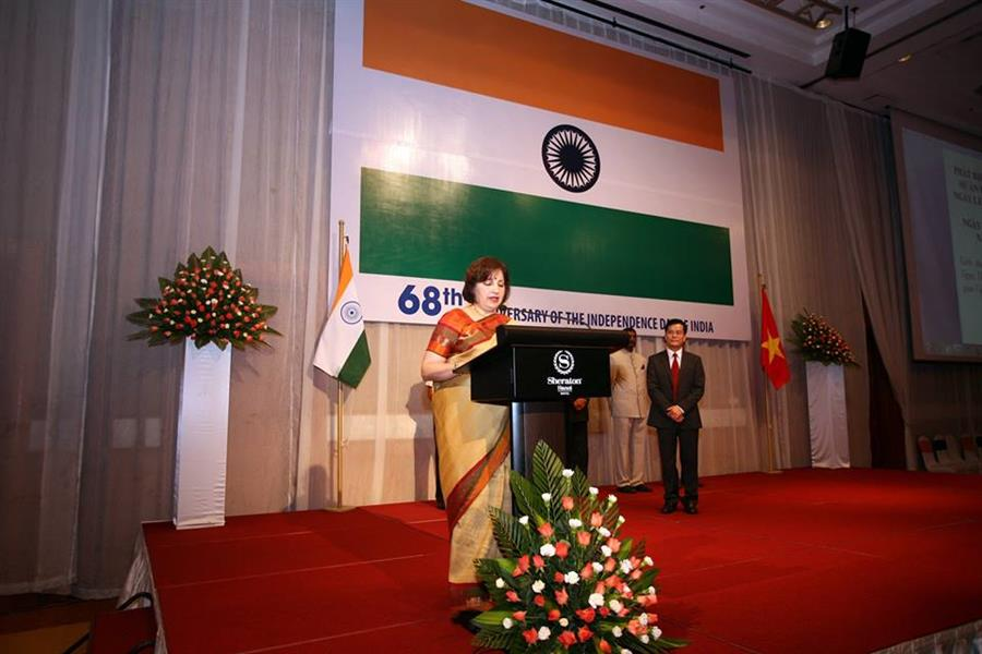 Independence Day Speech by Ambassador Extraordinary and Plenipotentiary of the Republic of India to Vietnam 15 August 2015