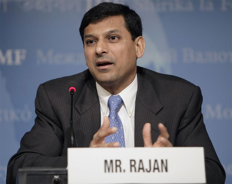 RBI chief Rajan warns of risks from yuan devaluation